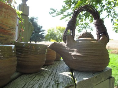 Textured Teapot with cane handle and teabowls